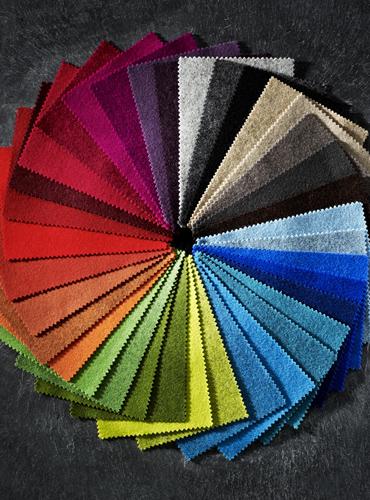 wełna w różnych kolorach